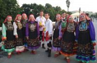 """Мечетлинцы присоединились к флешмобу в национальных костюмах """"Я культурное наследие""""."""