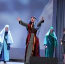 Сегодня на сцене районного Дома культуры прошел спектакль «Воскресение Христово», посвященное великому христианскому празднику Пасхе