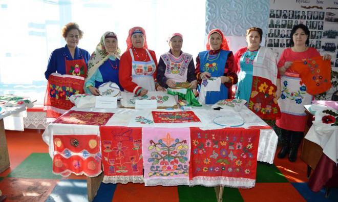 Фольклорный праздник тамбурной вышивки