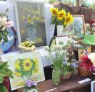 Один из самых красивых и ярких праздников уходящего лета - фестиваль цветов «Мой красочный, цветной район!» состоялся на центральной площади с. Большеустьикинское.