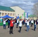 На центральной площади села Большеустьикинское состоялся праздничный концерт, посвященный празднованию 1 Мая – Дню международной солидарности трудящихся, празднику Весны и Труда